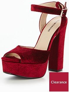glamorous-velvet-platform-sandal