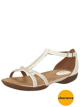 clarks-raffi-star4-flat-sandal