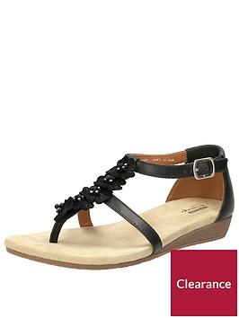 clarks-qwin-tiara4-flat-sandal