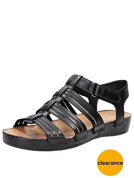 clarks-raspberrychic4-wide-fit-chunky-sole-sandal-black