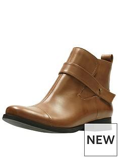 clarks-ladbroke-magic-ankle-boot