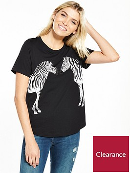 oasis-kissing-zebra-placement-tee
