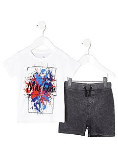 river-island-mini-boys-white-print-t-shirt-outfit