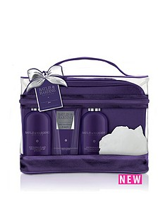 baylis-harding-baylis-amp-harding-wild-blackberry-amp-apple-luxury-vanity-bag-gift-set