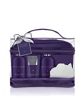 baylis-harding-baylis-amp-harding-wild-blackberry-amp-apple-luxury-vanity-bag-gift-set