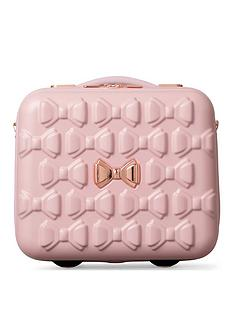ted-baker-transport-your-beauty-treasures-in-style-with-the-beau-vanity-case-by-ted-baker-pink