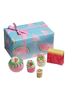 bomb-cosmetics-thanks-a-melon-gift-set