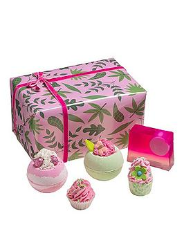 bomb-cosmetics-palm-springs-gift-set