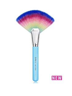 spectrum-get-lit-rainbow-fan-brush