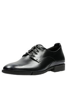 clarks-daulton-walk-leather-shoe