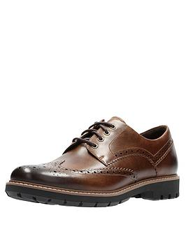 clarks-batcombe-leather-wing-shoe