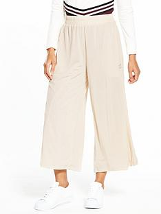 adidas-originals-styling-compliments-ribbed-pant