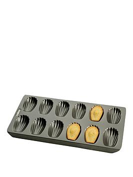 chicago-metallic-madeline-pan-12-cup-non-stick