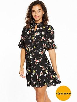 miss-selfridge-petite-floral-tea-dress