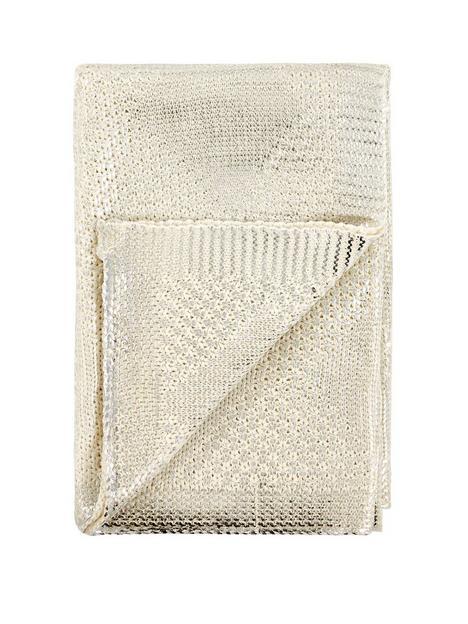 michelle-keegan-home-metallic-diamond-knitted-throw