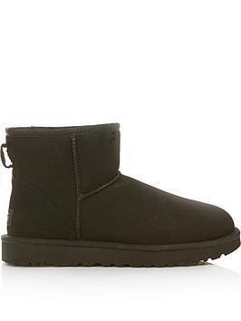 ugg-classic-heritage-mini-ii-short-ankle-boots-black