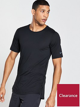 nike-fitted-utility-training-t-shirt