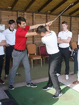 virgin-experience-days-60-minute-golf-lesson-at-the-ian-woosnam-golf-academy