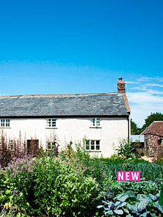 virgin-experience-days-four-course-meal-for-two-with-wine-at-hugh-fearnley-whittingstall039s-river-cottage-saturday-night