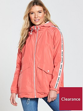 tommy-jeans-essential-hooded-windbreaker-coat-spiced-coral