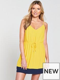 tommy-jeans-contrast-stripe-strap-dress