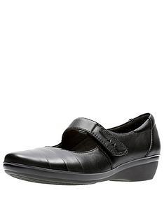 clarks-everlay-kennon-comfort-mary-jane-shoe