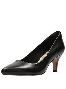 clarks-clarks-isidora-faye-wide-fit-mid-heel-court-shoe