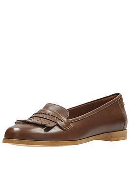 Clarks Andora Crush Loafer - Tan