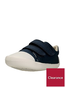 clarks-tiny-pebble-first-shoe