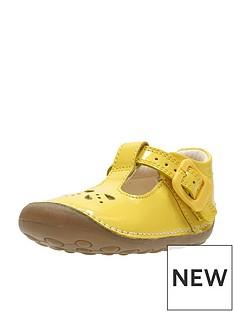 b6986080863ecd Clarks Little Weave First Shoe
