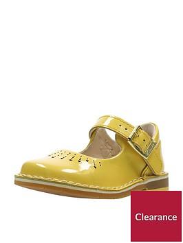 clarks-yarn-jump-first-shoe