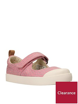 clarks-halcy-wink-first-shoe
