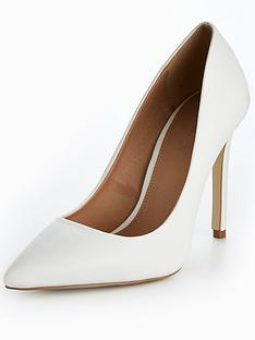 v-by-very-chic-pointed-court-white