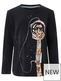 monsoon-giraffe-lost-in-space-tee