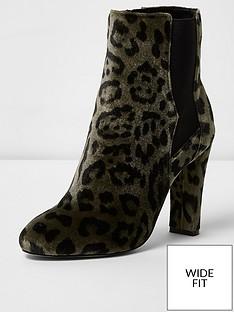 river-island-river-islandnbspwide-fit-animal-print-smart-heeled-boot
