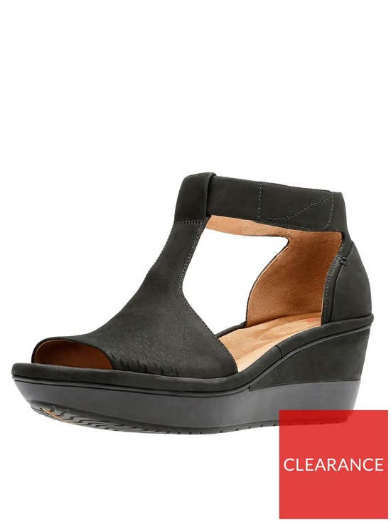 9d109274c Clarks Wynnmere Avah T-Bar Wedge Sandal - Black