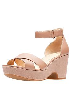 clarks-maritsa-ruth-low-wedge-sandal-beige