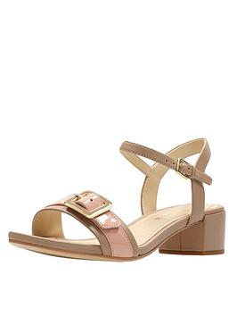 clarks-orabella-shine-buckle-low-heel-sandal-nude
