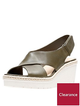 clarks-palm-glow-cross-strap-leather-wedge-sandal-khaki