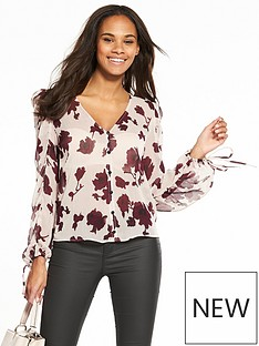 v-by-very-delicate-ruched-sleeve-floral-top