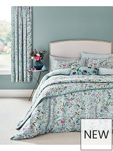 va-botanica-bedspread-throw