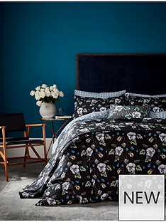va-gardenia-bedspread-throw