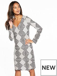 wallis-monochrome-swing-dress