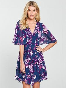 v-by-very-printed-cape-sleeve-skater-dress-floral-print