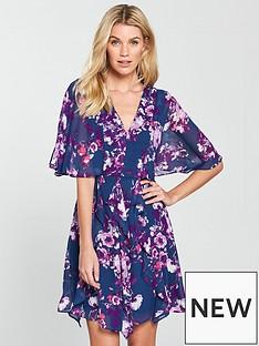 v-by-very-printed-cape-sleeve-skater-dress-floral-print