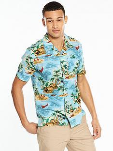 levis-short-sleeved-hawaiian-shirt