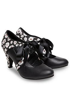 joe-browns-joe-browns-womens-ribbon-tie-shoes-with-daisy-print