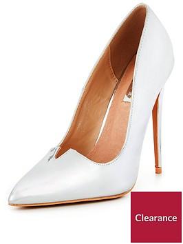 lost-ink-v-front-court-shoe-silver