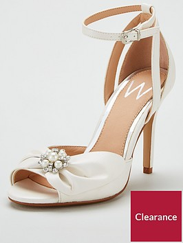 wallis-winnie-diamante-and-pearl-bow-sandal-white