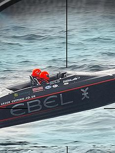 virgin-experience-days-007-powerboat-adventure-jet-viper-and-honda-race-boat-in-southampton-hampshire
